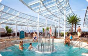 Imagen de la piscina Hero OA - promociones Crown & Anchor, parte superior derecha